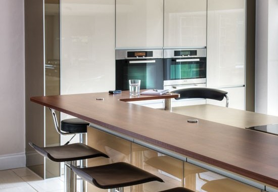 Breakfast-bar-and-ovens