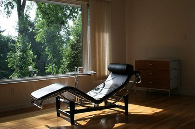 le-corbusier-chaise-longue-contemporary-chairs-interior-design-2
