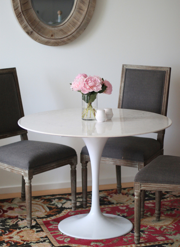 Fox_and_She_Tulip_Table_2