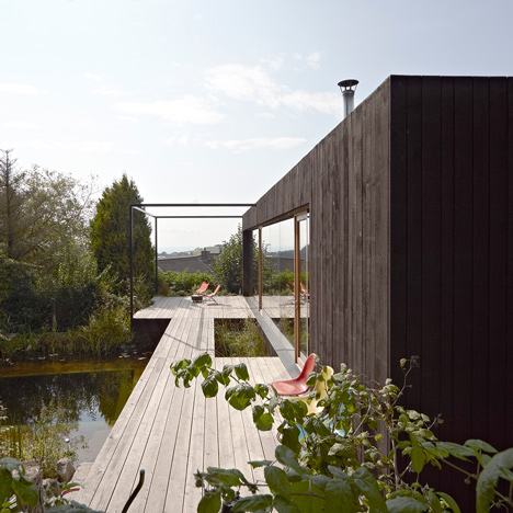 House-at-the-pond-by-Hammerschmid-Pachl-Seebacher-Architekten_dezeen_sq