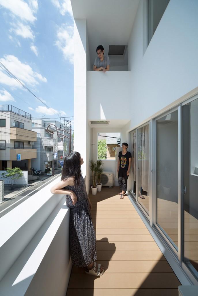 Kitasenzoku-Apartment_Tomoyuki-Kurokawa-Architects_dezeen_936_2