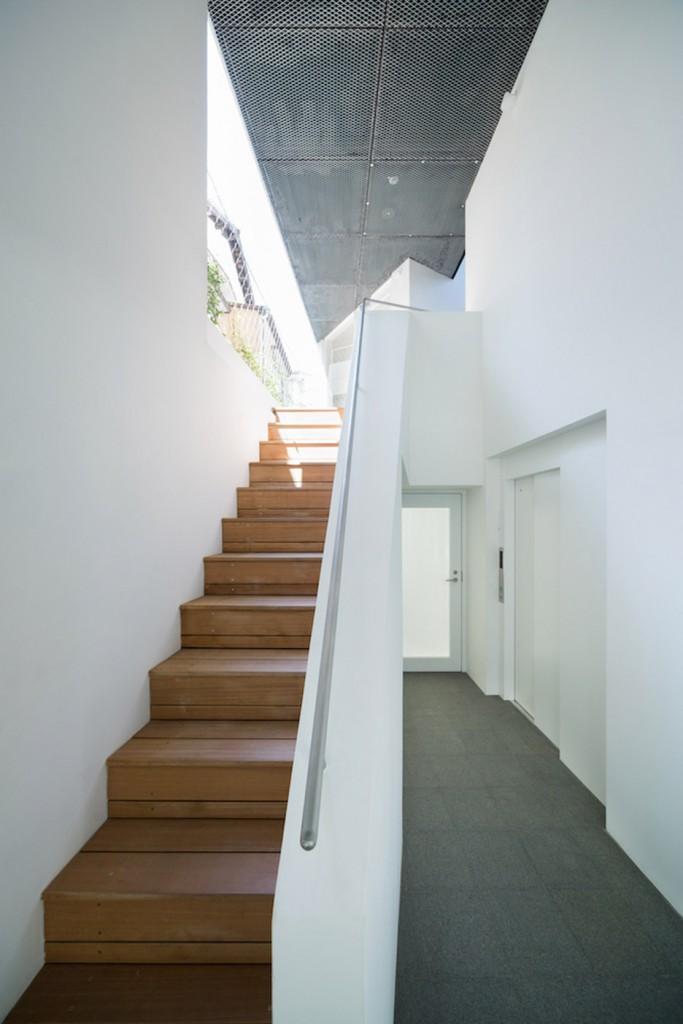 Kitasenzoku-Apartment_Tomoyuki-Kurokawa-Architects_dezeen_936_6