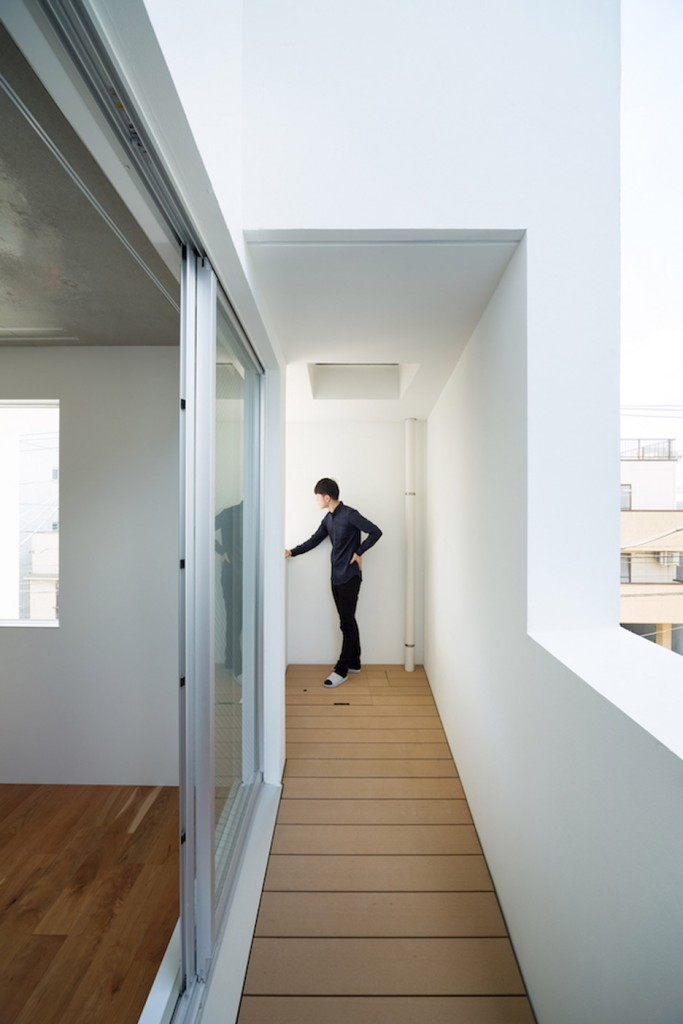 Kitasenzoku-Apartment_Tomoyuki-Kurokawa-Architects_dezeen_936_9
